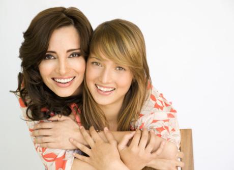 Chirurgia estetica: mamma, figlia e ritocco