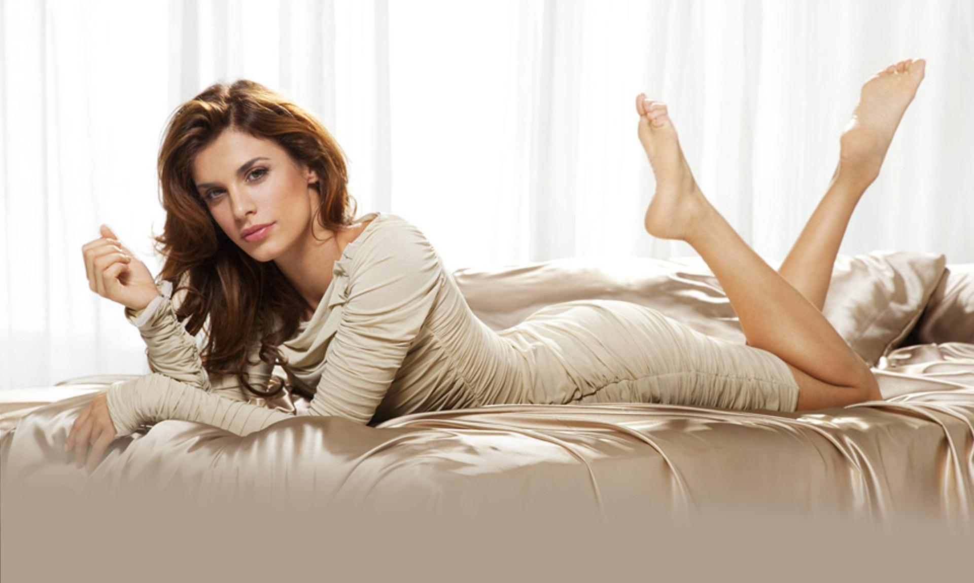 Elisabetta Canalis, futura mamma in super forma